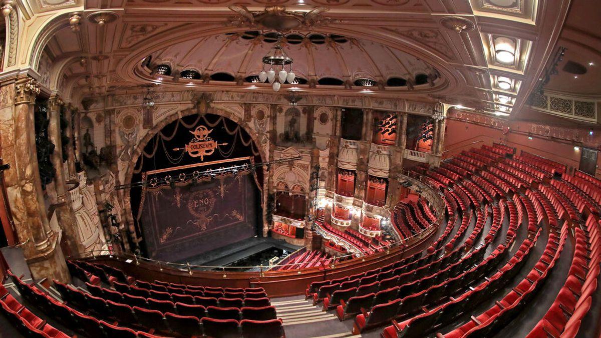 El estreno del musical 'Ceninienta' se cancela en Londres por un positivo y su director culpa al Gobierno