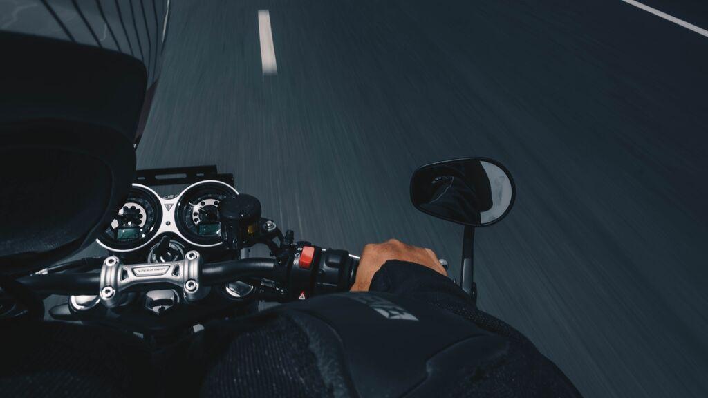 Qué documentos debes llevar en tu moto de forma obligatoria