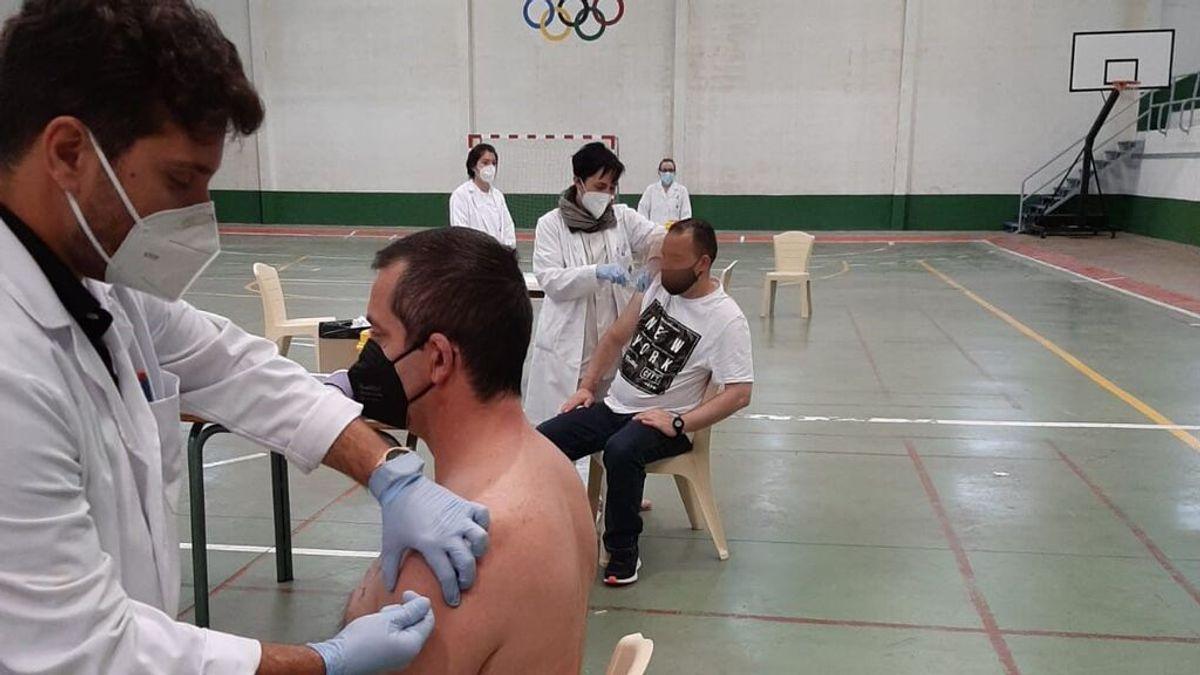 El vis a vis de un preso con un positivo obliga a confinar un módulo de la cárcel de Logroño
