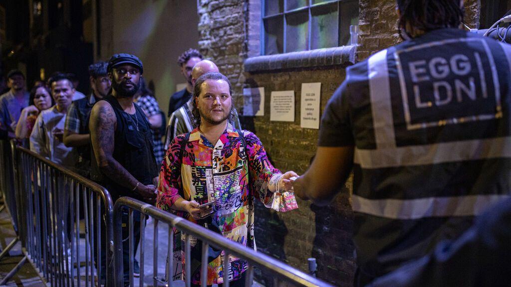 Reino Unido exigirá el certificado covid en las discotecas a finales de septiembre