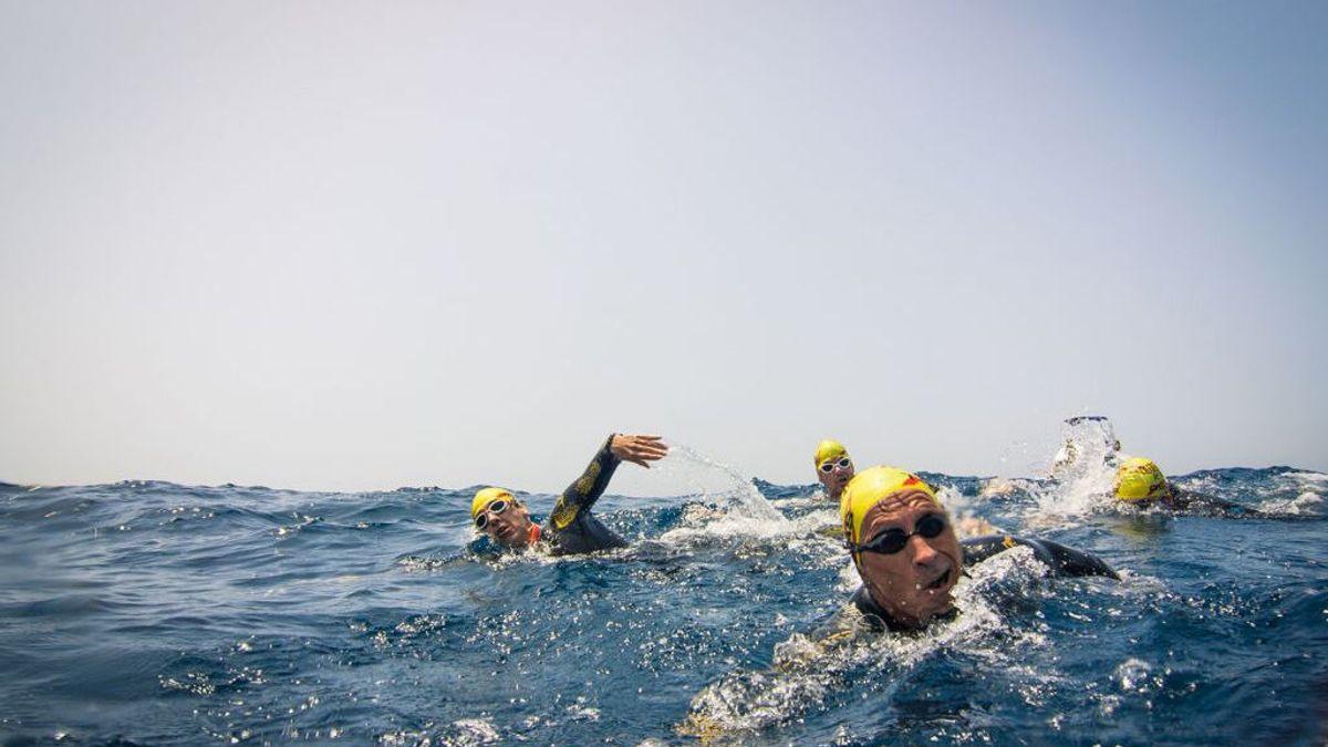 """""""He atravesado a nado el Estrecho a los 60. Y no soy profesional""""."""
