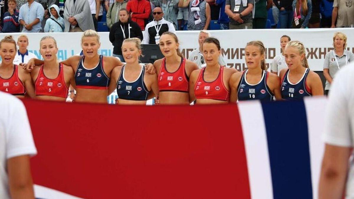 Las jugadoras noruegas de balonmano playa que se negaron a usar bikini han sido sancionadas por utilizar mallas