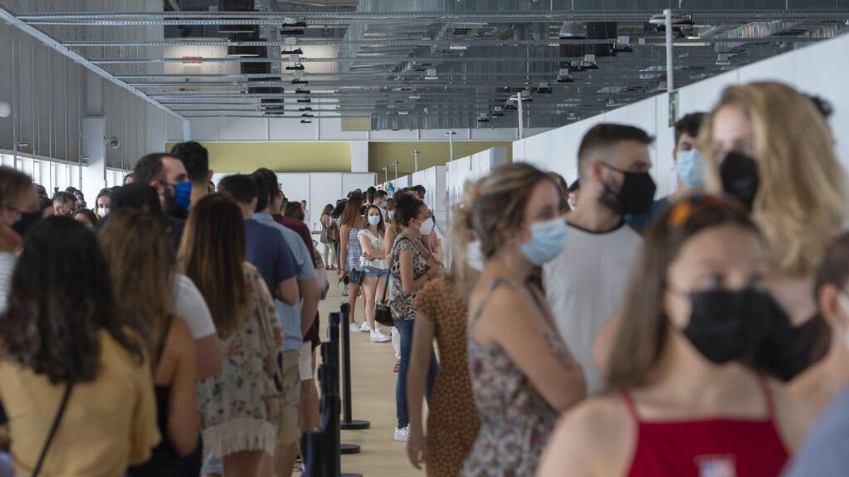 30 millones de españoles habrán recibido este jueves la primera dosis de la vacuna