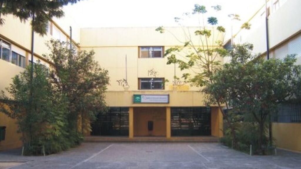 Un instituto de Sevilla aprueba ocho asignaturas suspensas de un alumno que no iba a clase