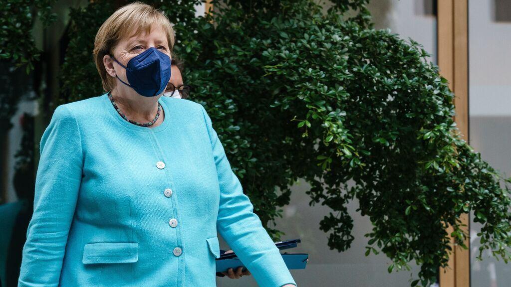 """Merkel alerta del """"preocupante"""" aumento de los contagios en Alemania"""