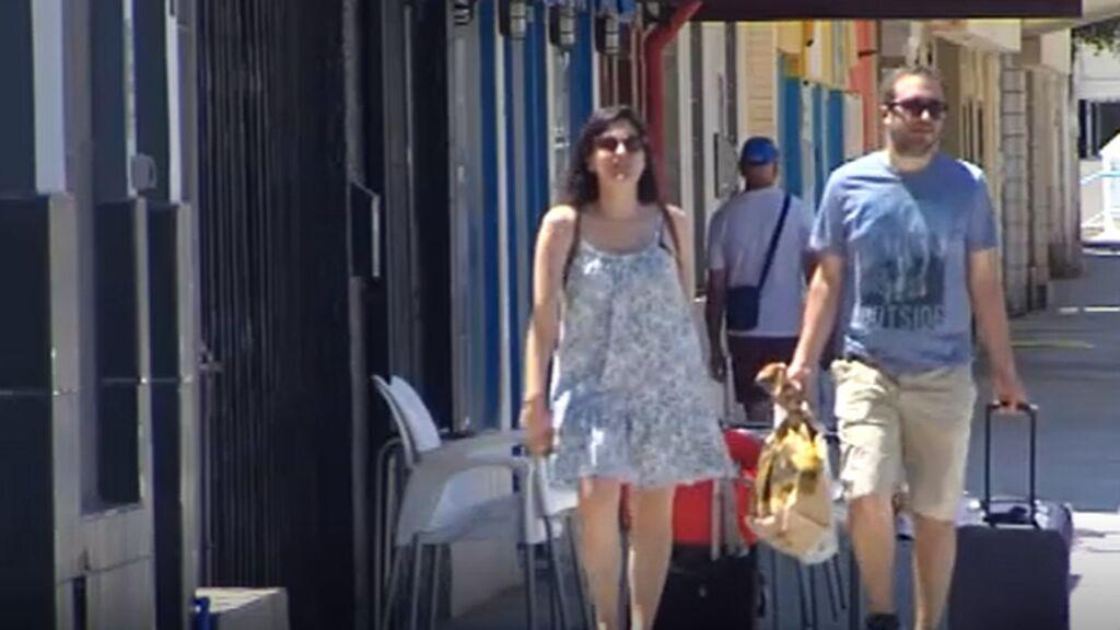 Españoles, con el verano en el aire, por el covid