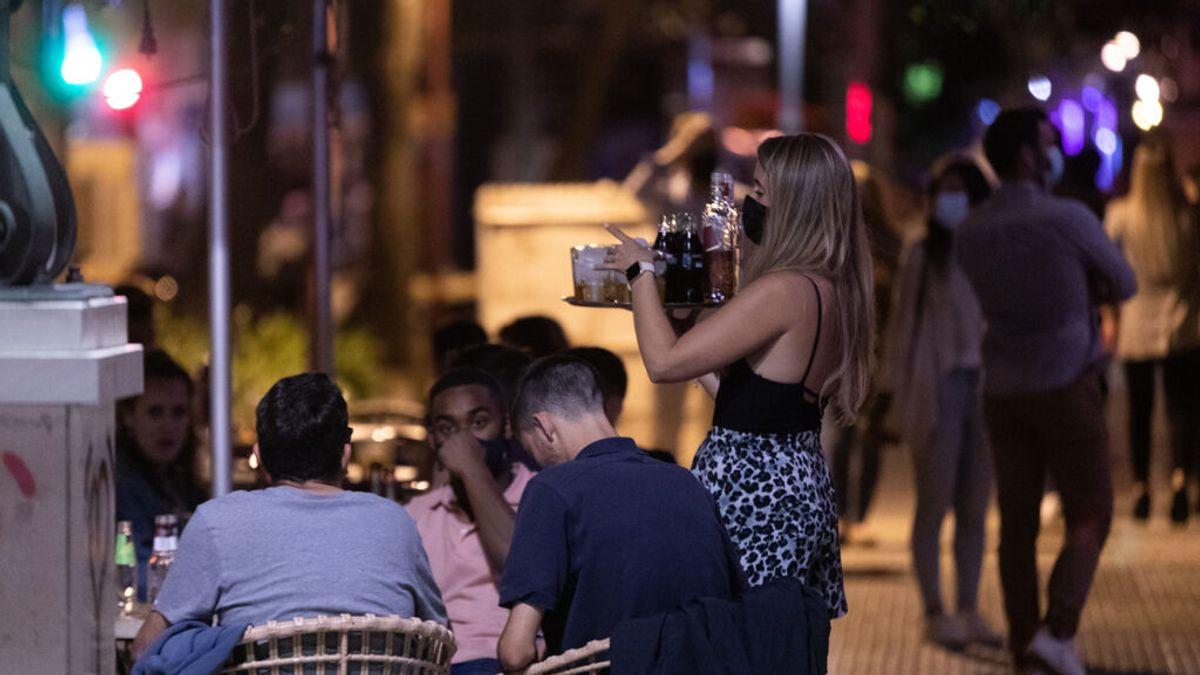 Andalucía reduce desde este jueves los aforos en bares y ocio nocturno con el objetivo de frenar los contagios