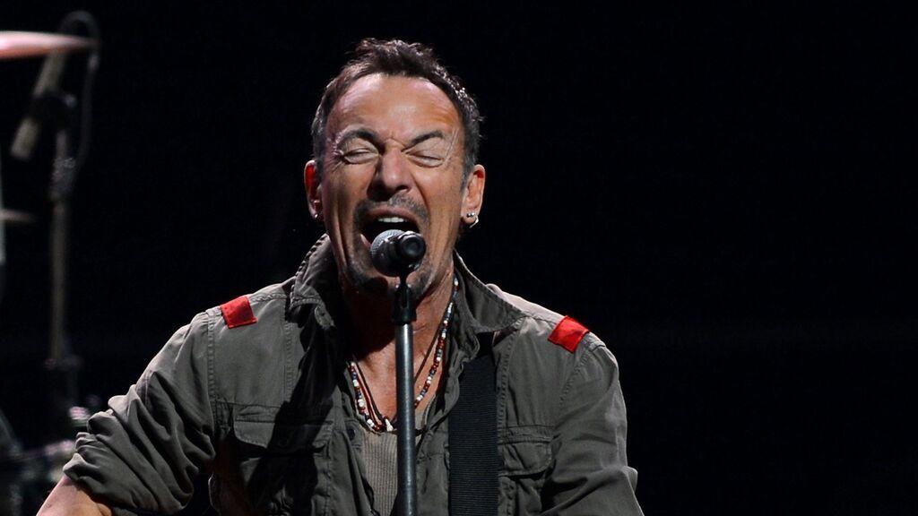 """""""Quiero que bebas cerveza y te vuelvas loco escuchando esto"""": Springsteen recomienda una lista de clásicos rockeros para el verano"""