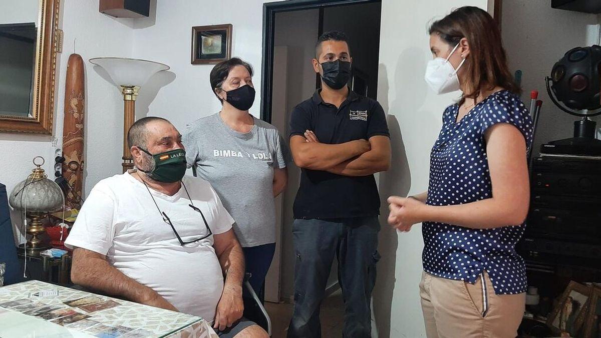 La Junta visita al vecino de Córdoba amputado que reclama un ascensor