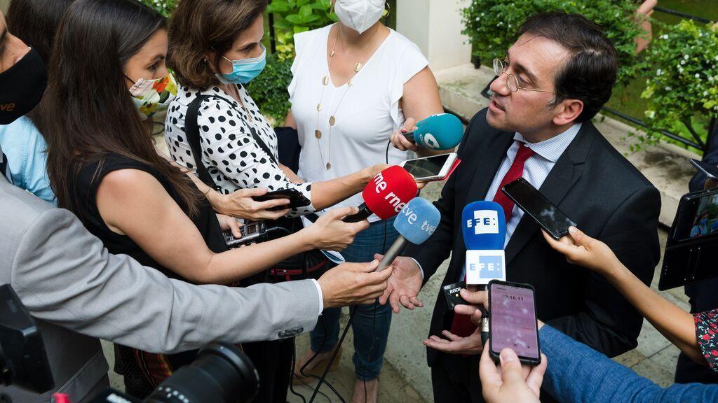 El ministro Albares calma al Reino Unido sobre Gibraltar en su primer viaje oficial