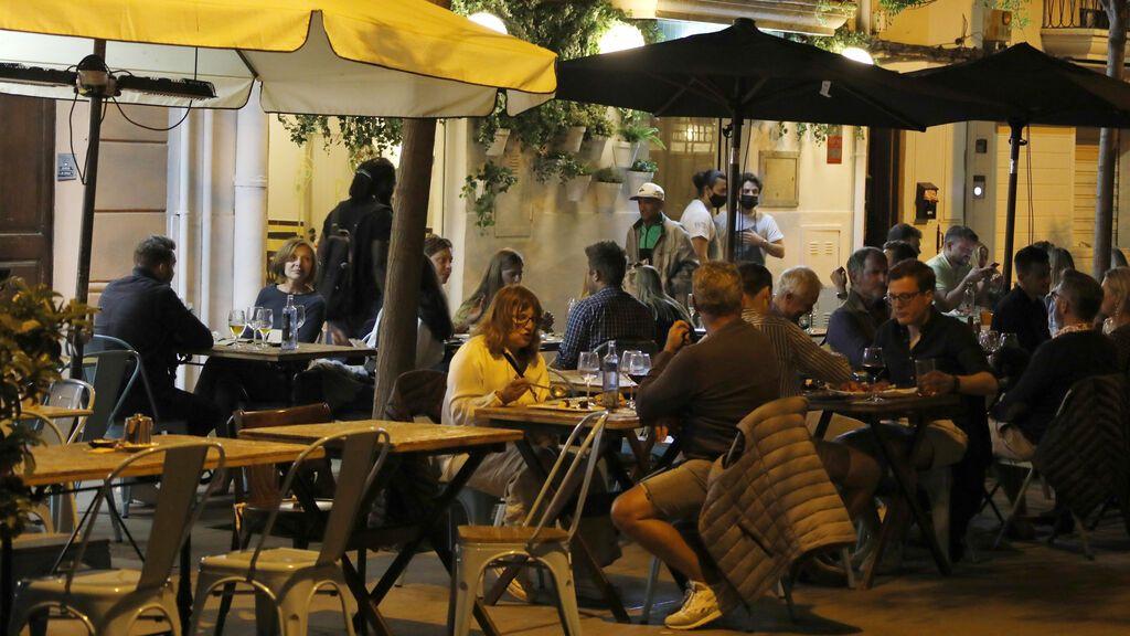 Prohibidas las reuniones sociales en Baleares entre las 01.00 y las 06.00 horas
