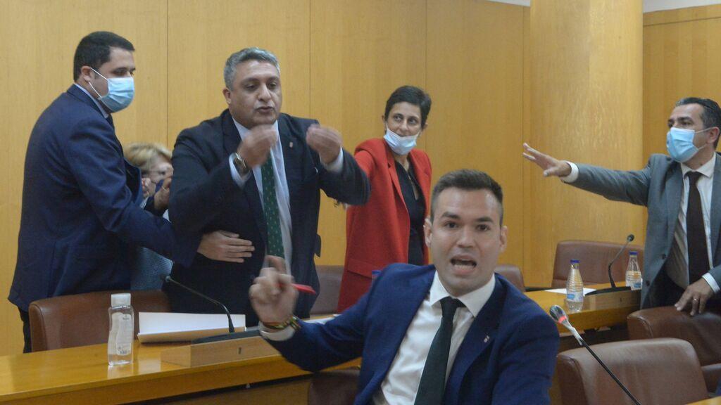 Ceuta declara persona 'non grata' a Abascal con ataques del portavoz de Vox, Carlos Verdejo, a los partidos musulmanes