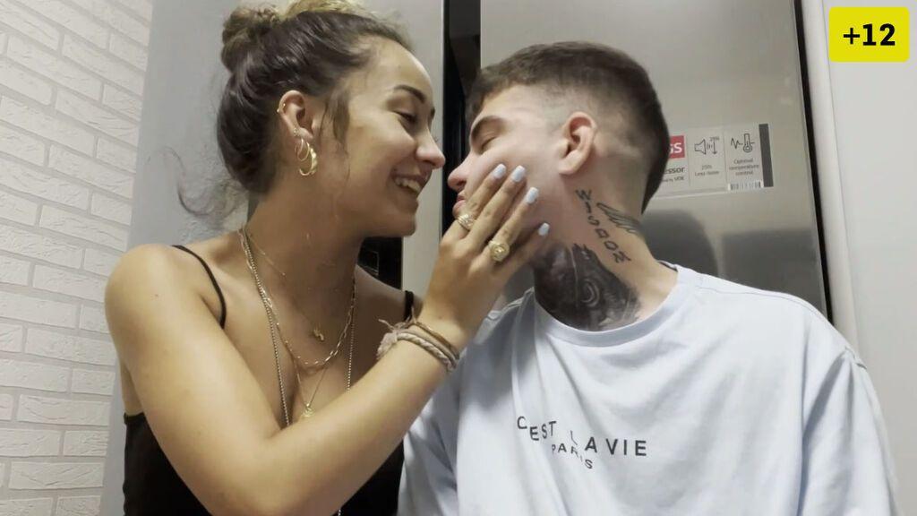 Marina Riverss y Daniel Marrero enseñan los distintos besos que existen (1/2)