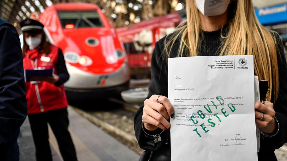 Italia se suma a Francia y exigirá el certificado covid para entrar en bares y restaurantes