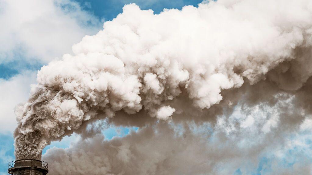 Un CO2 por las nubes dispara el apetito de los especuladores: su presencia en este mercado se triplica desde 2018