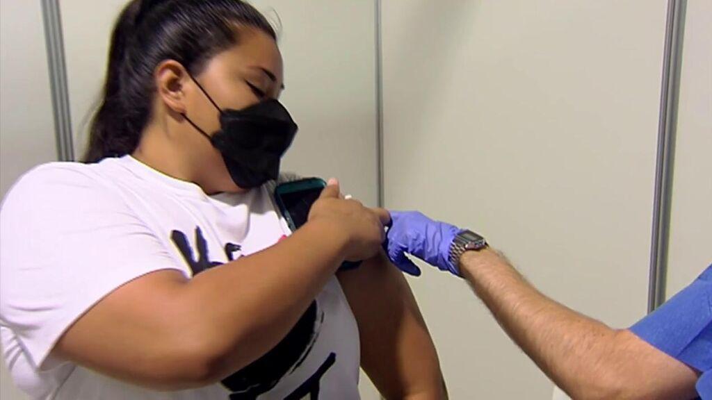 Las vacunas no son eficaces al cien por cien: los síntomas que produce el covid tras haber recibido las dos dosis
