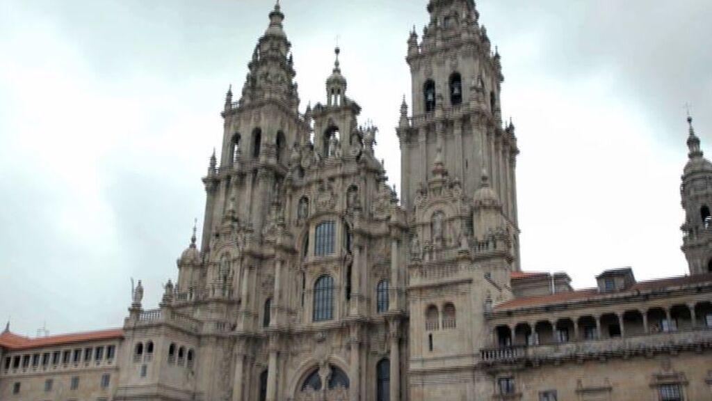 ¿Quién está enterrado en Santiago de Compostela?