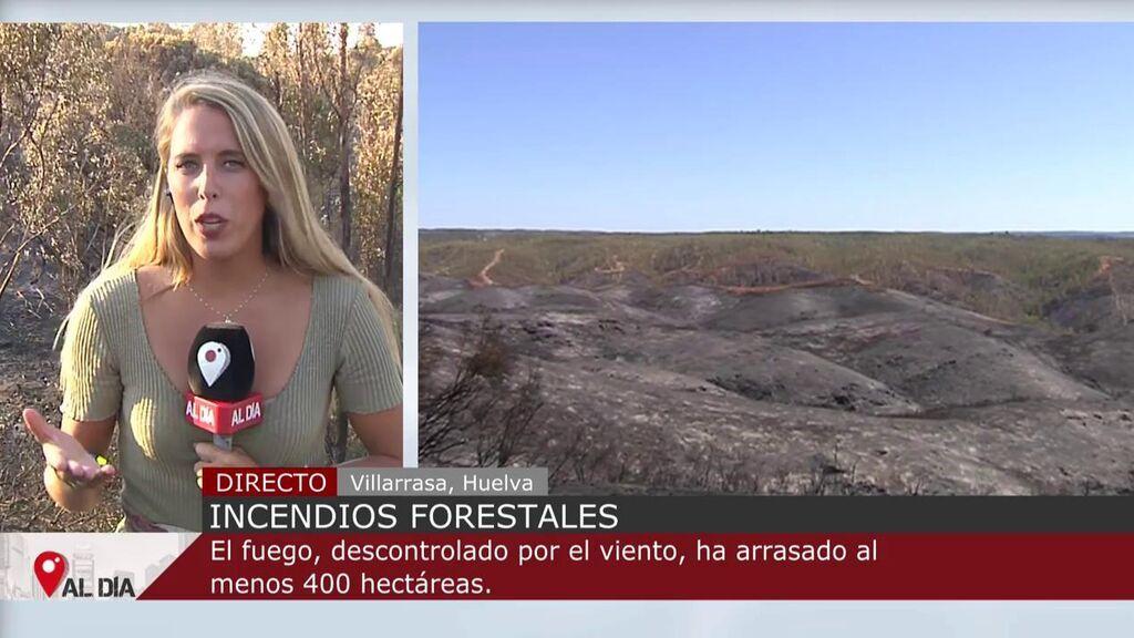 El incendio Villarrasa, Huelva, calcina 600 hectáreas: los fuertes vientos dificultan su extinción