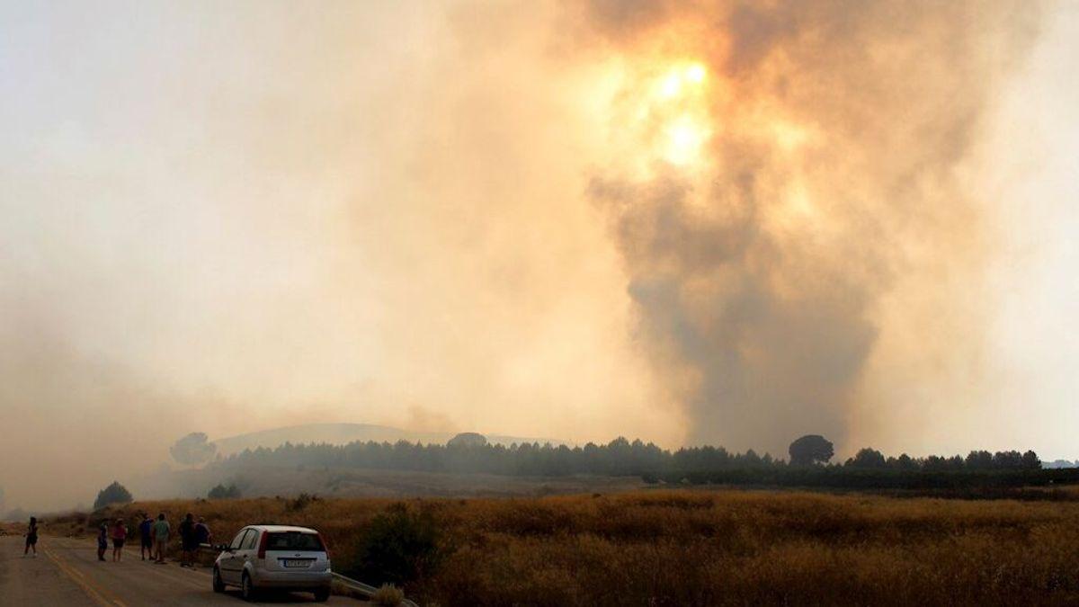 La UME se incorpora al incendio de Albacete que ha quemado ya 1.000 hectáreas