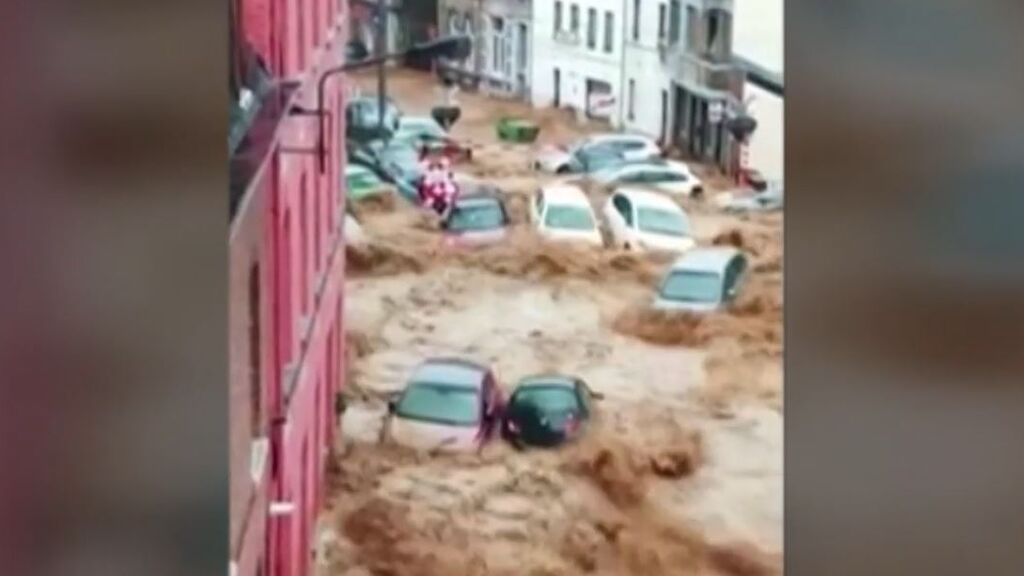 El clima extremo sacude al planeta: Incendios e inundaciones asolan desde Bélgica a la India