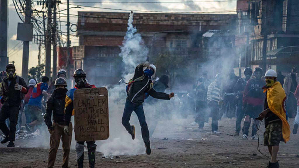 """Colombia detiene a 134 integrantes del grupo """"Primera Linea"""", instigadores de las manifestaciones violentas"""