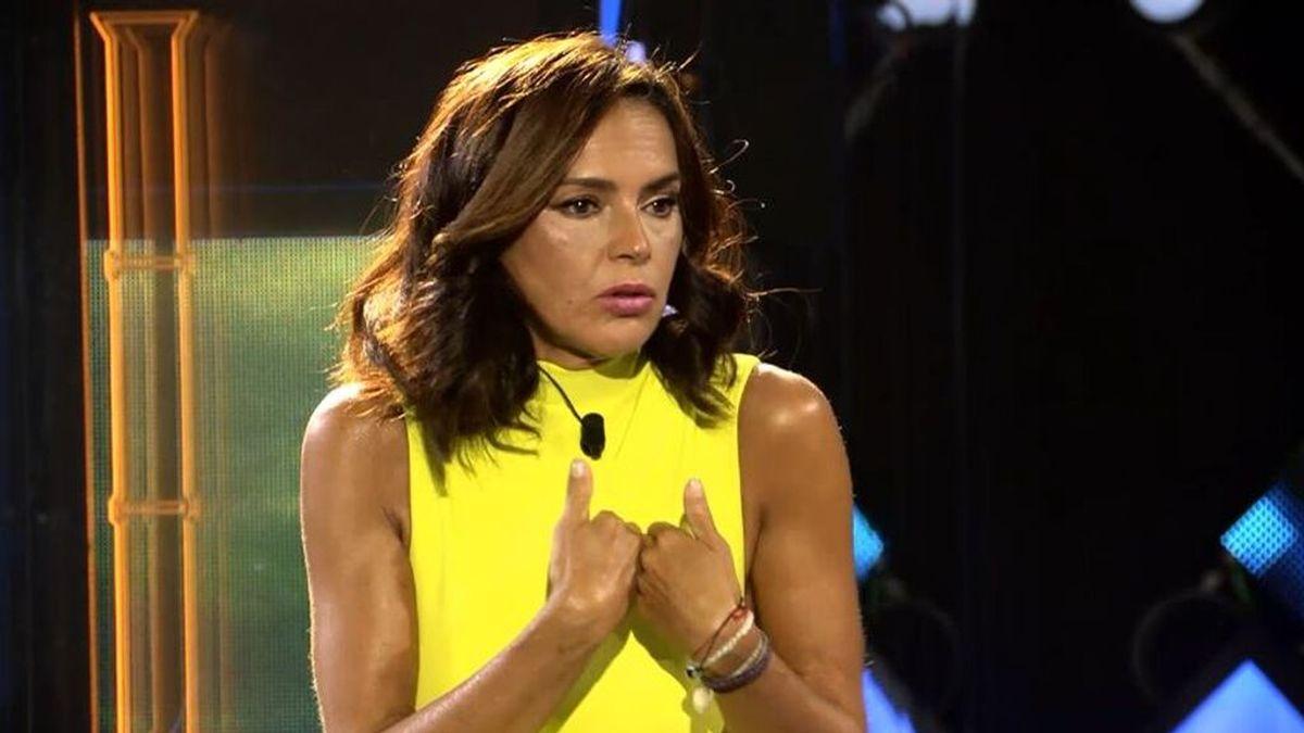 """Olga Moreno hace frente a sus polémicas en la isla: """"Lo siento por no defenderte cuando te puso a parir"""""""