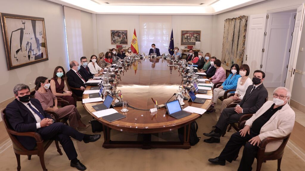 El BOE publica la reestructuración de la Presidencia del Gobierno con la supresión de hasta 17 órganos distintos