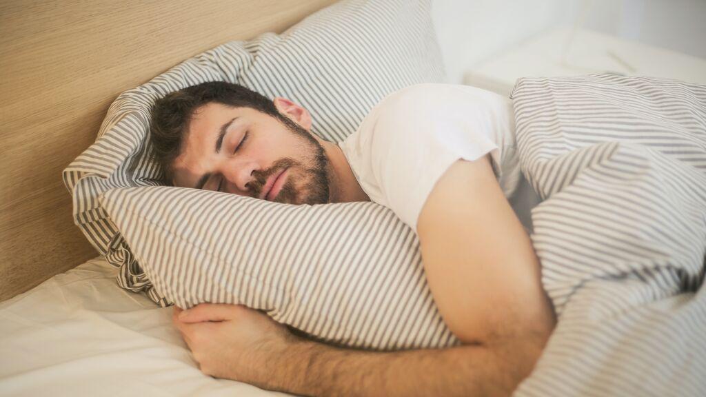 Diez beneficios de dormir la siesta