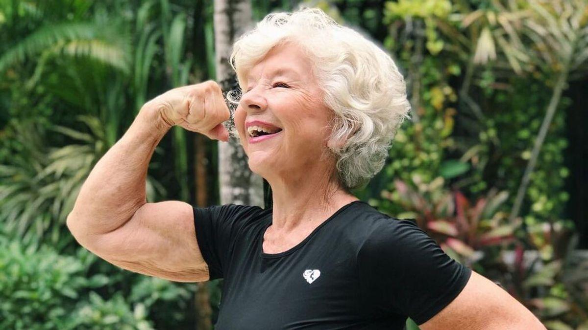 """La influencer Joan MacDonald o cómo lucir un cuerpo 'fit' a los 70: """"Es maravilloso estar en forma a los 75 años"""""""
