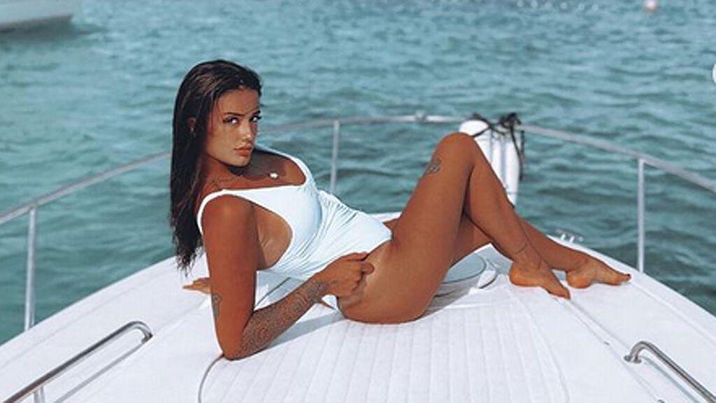 Fati Vázquez, nueva inquilina del pisito de 'Solos on the Beach': ¡conócela!