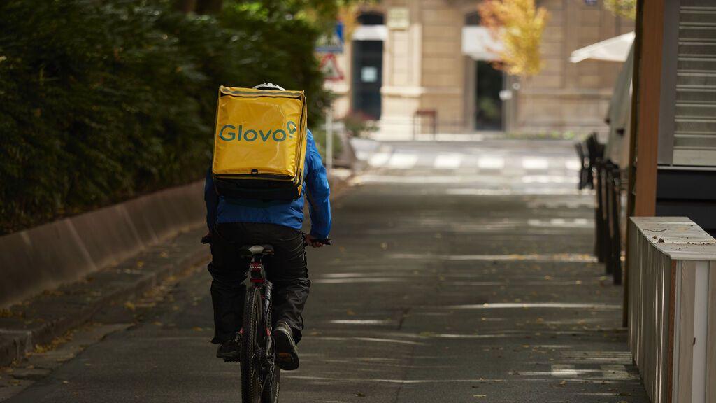 Glovo contratará 2.000 repartidores en España antes de que acabe 2021 para adaptarse a la Ley Rider