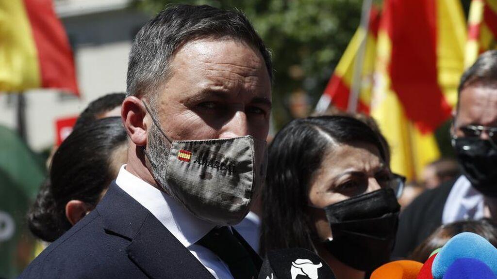 El PP no se toma en serio las amenazas de Abascal y se mantiene firme en su apoyo a Vivas