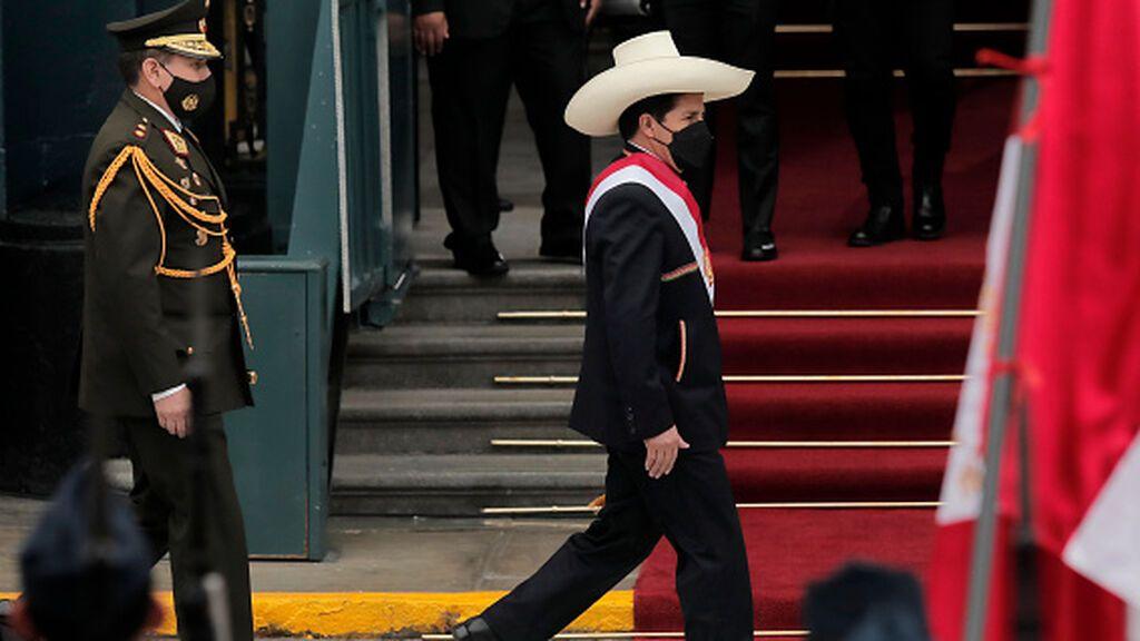 Castillo anuncia una Asamblea Constituyente para Perú
