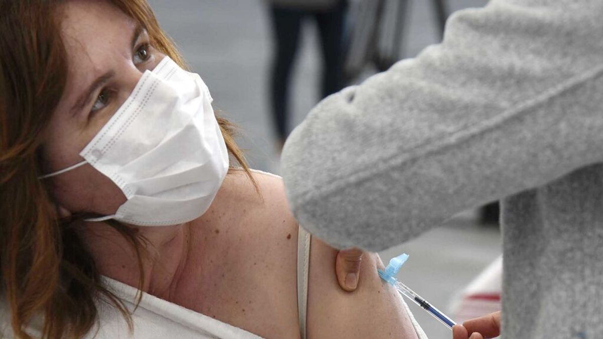 Asturias y Galicia han vacunado ya con la pauta completa al  70% de su población a inmunizar