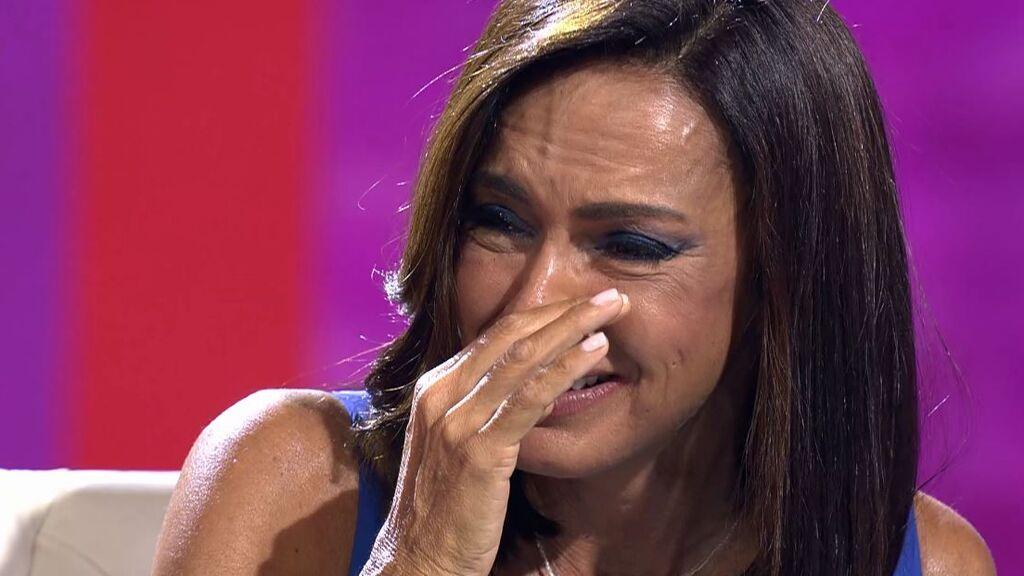 """Olga Moreno rompe a llorar por la polémica: """"Mi hija pequeña ha tenido que ir al psicólogo"""""""