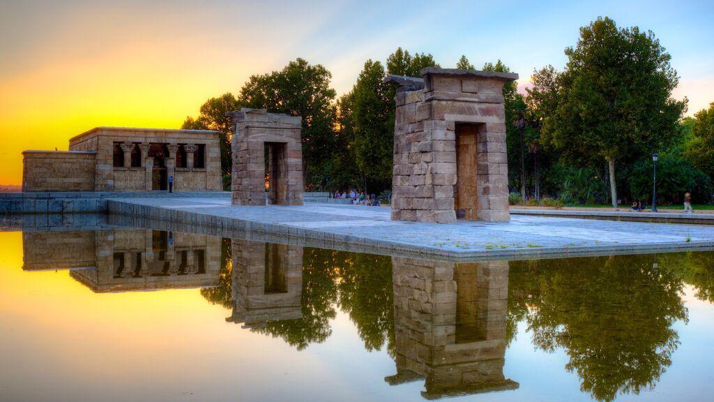 Templo_de_Debod_in_Madrid