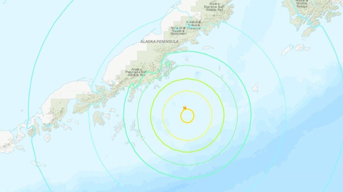 Un terremoto de 8.2 grados de magnitud en la costa de Alaska deja una fuerte advertencia de tsunami
