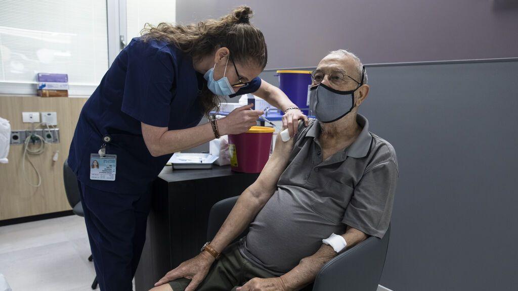 Israel empezará a poner terceras dosis a mayores de 60 años a partir de este domingo