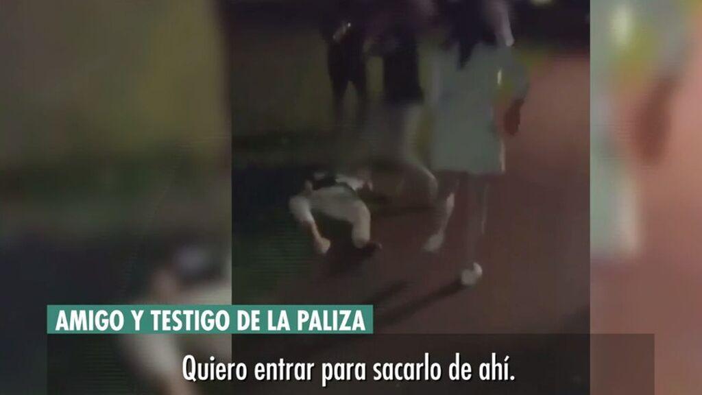 """El amigo que intentó salvar al joven de la paliza grupal en Amorebieta, destrozado: """"Me agarraron otros chicos por detrás"""""""