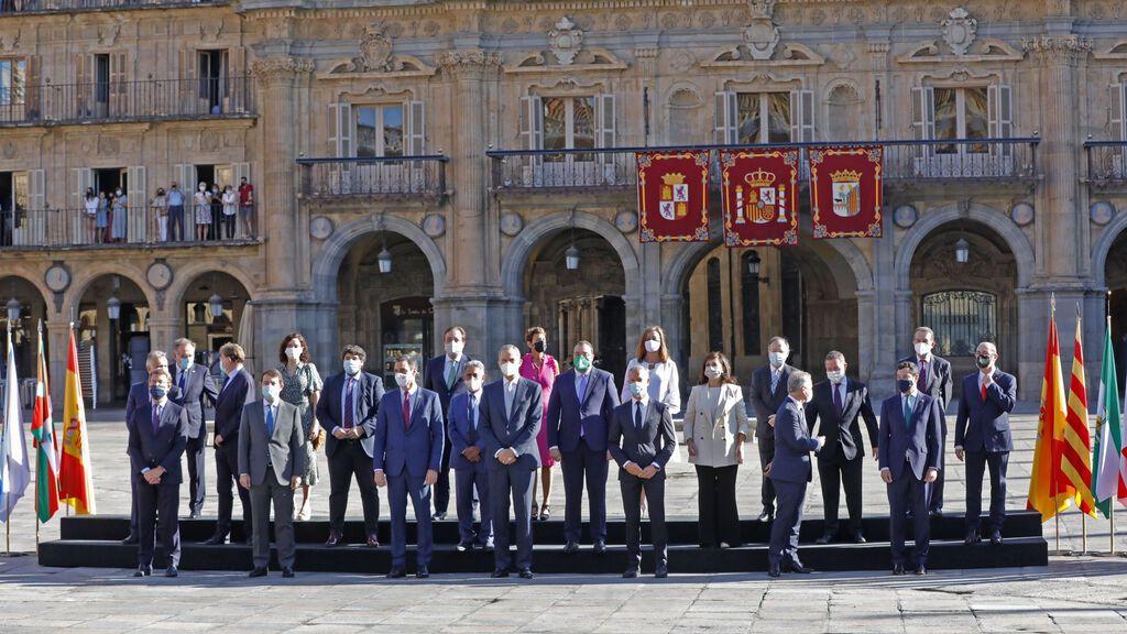 Gritos contra Pedro Sánchez en la foto de familia de la Conferencia de Presidentes