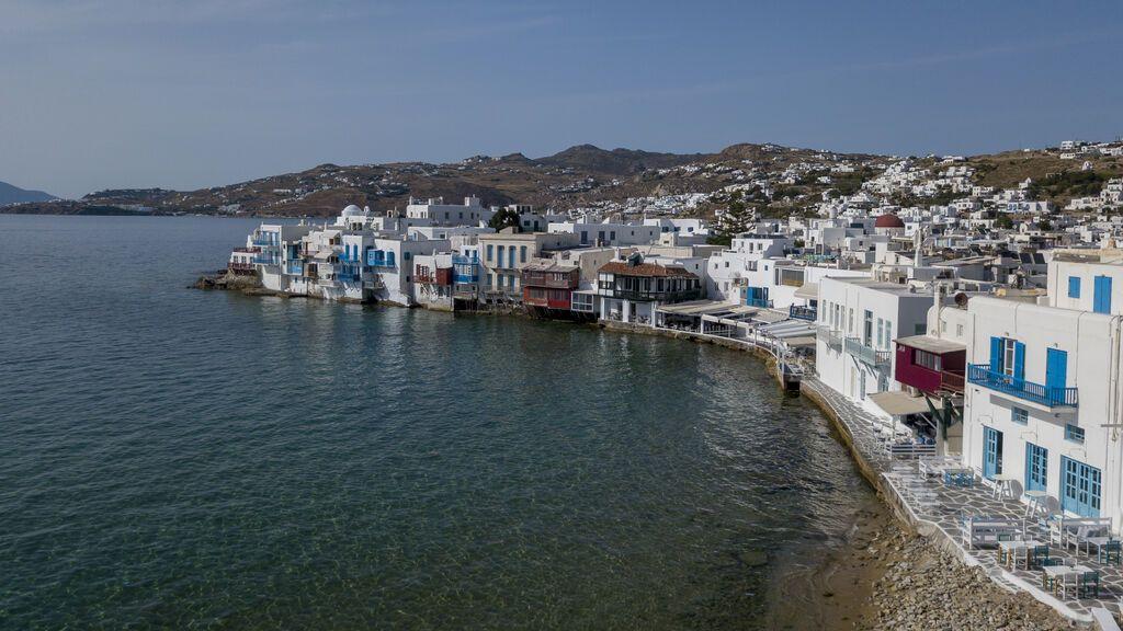 Temor por el turismo en las soñadas islas griegas de Miconos o Santorini