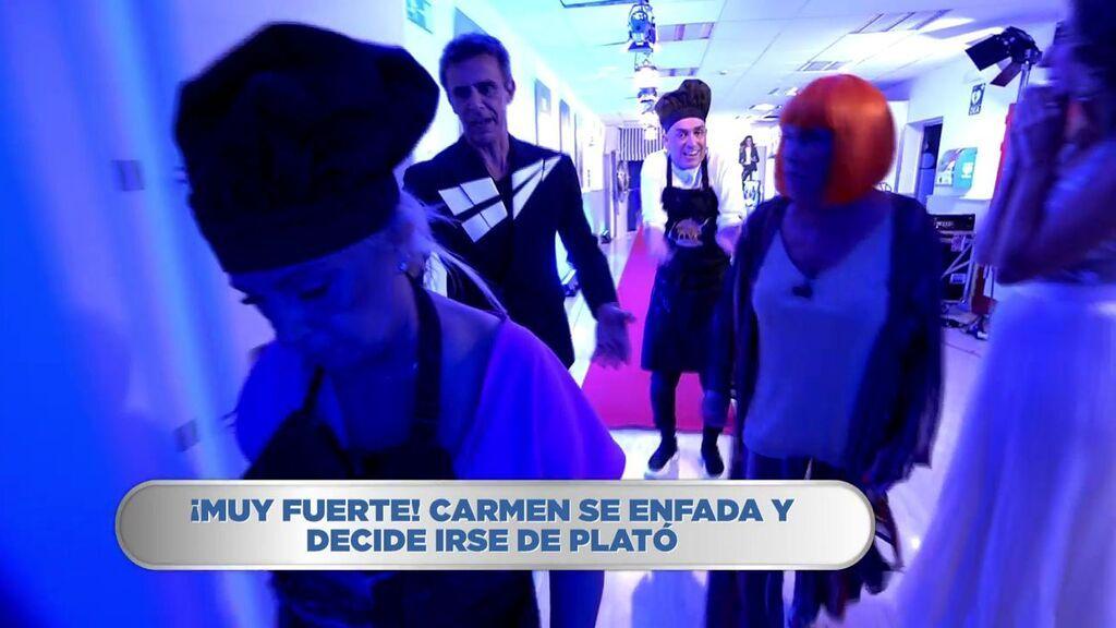 """Carmen Borrego abandona el plató entre gritos a Kiko Hernández: """"A mí no me insultas ¡Ahí os quedáis!"""""""