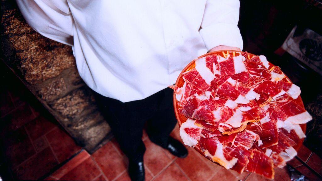 Jamón de Guijuelo, lechazo, cecina o rosquillas: el menú castellano de la Conferencia de Presidentes