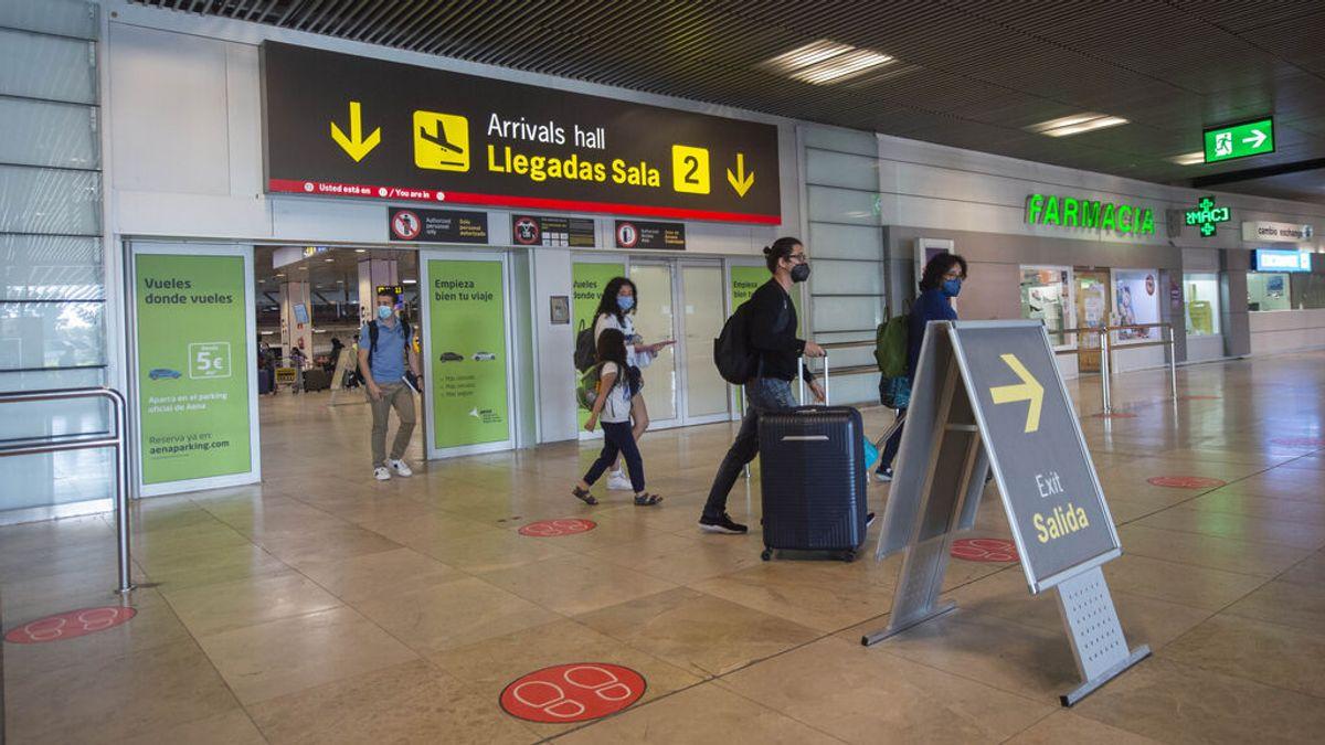 Los viajeros procedentes de Brasil y Sudáfrica tendrán que guardar cuarentena en España