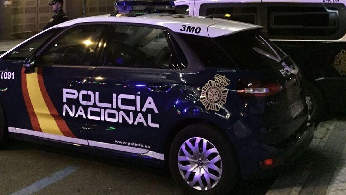 Un joven ingresa en la UCI tras recibir dos puñaladas en una reyerta multitudinaria en El Arenal en Córdoba