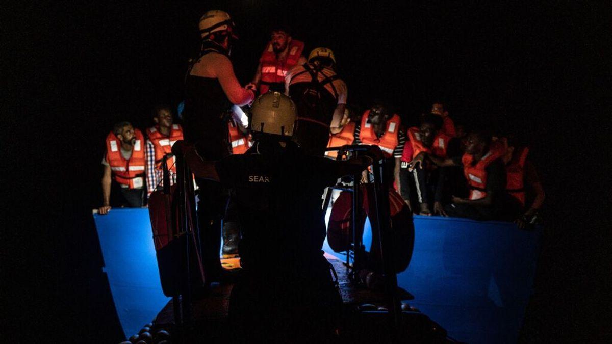 Los barcos de rescate salvan a 400 personas en el Mediterráneo en menos de cinco horass