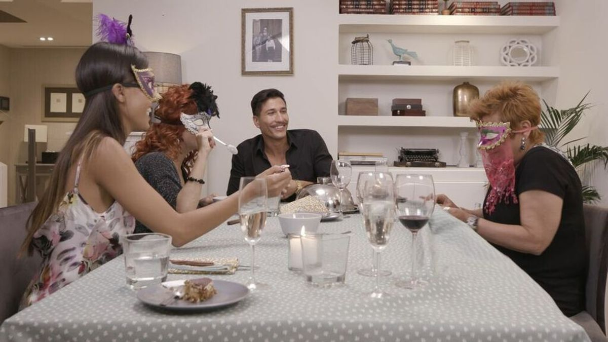 Gianmarco Onestini, Terelu Campos, Sofía Suescun y Yurena, protagonistas de la nueva edición de 'Ven a cenar conmigo. Gourmet Edition'
