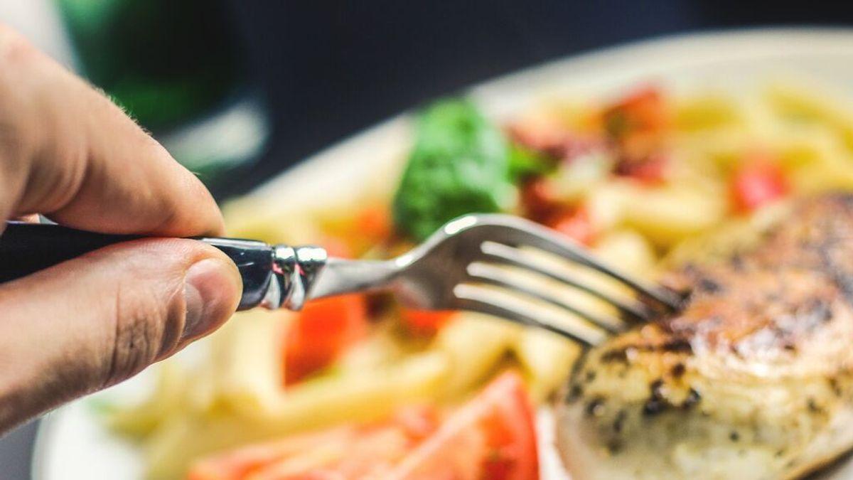 ¿Cómo puedo evitar una intoxicación alimentaria en verano?
