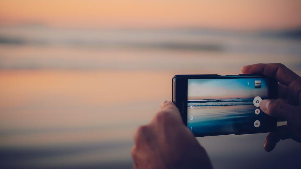 Cómo proteger tu teléfono móvil en la playa