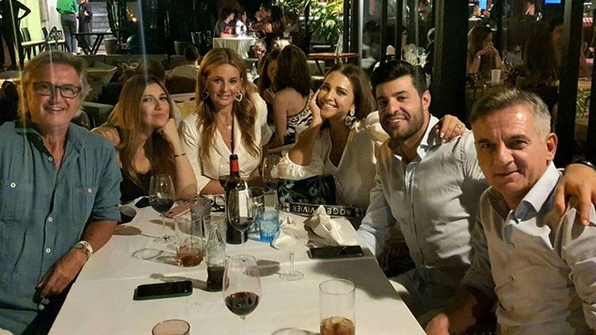 El look de Paula Echevarría para una cena de amigos en Marbella